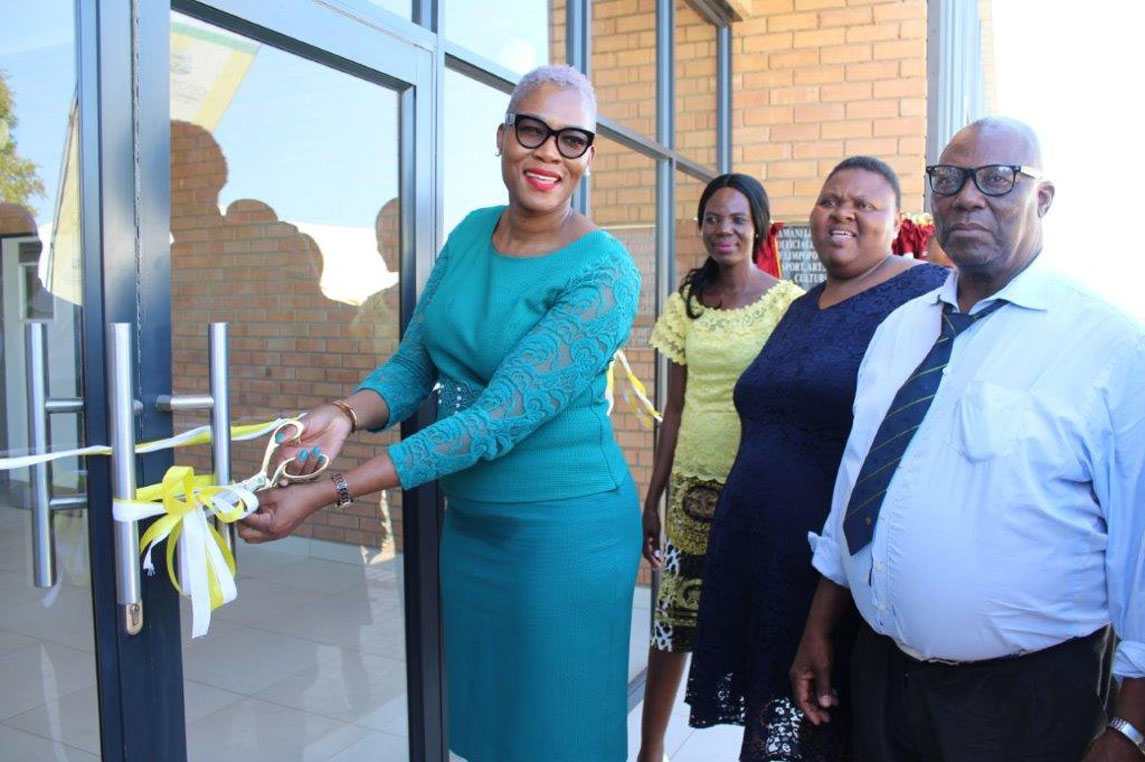 MEC Thandi officially hands over state of the Art Zamani Community Library to Nkurhi community and surrounding villages at Greater Giyani Municipality in the Mopani District